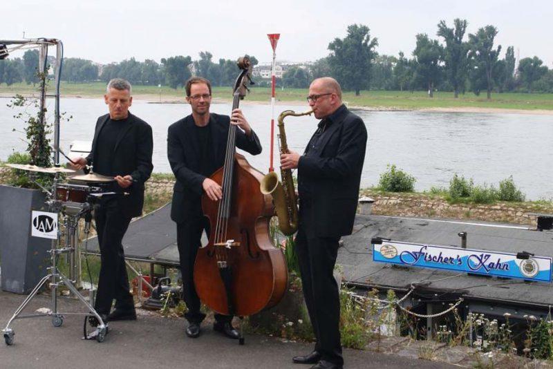 JAM | jazz.akustisch.mobil zur Empfang der Gäste in Düsseldorf